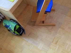fatra PET deska pod židli