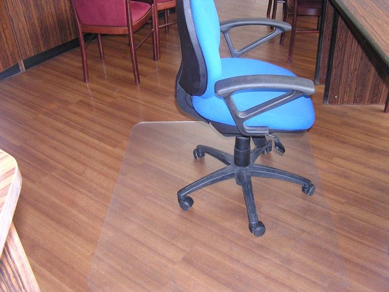 ПЭТ пластина под кресло на колесиках